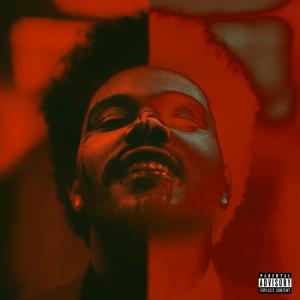 """Cover de l'album """"After Hours"""" de The Weeknd, sorti en mars. Il sourit, le visage ensanglanté, et est d'une moité normal, l'autre en négatif"""