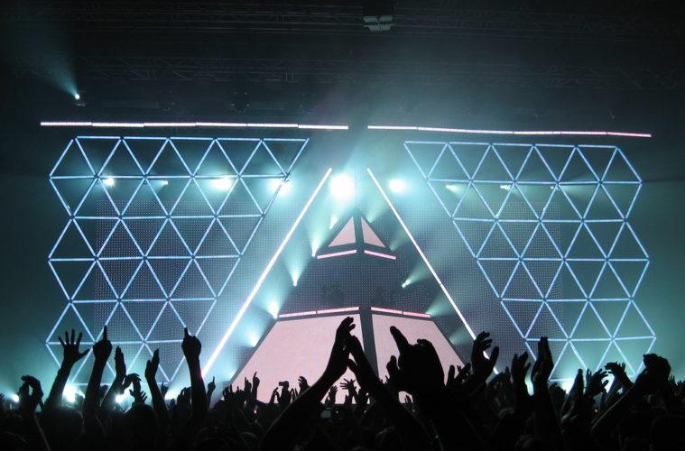 daft punk alive 2007 pyramid photo