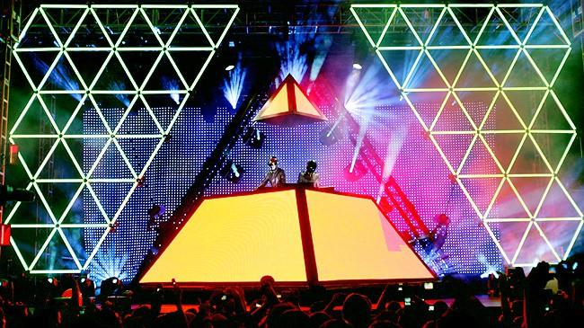 Pyramide - Alive 2007 Daft Punk