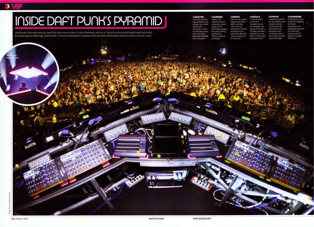 Intérieur de la pyramide de Alive 2007 - Daft Punk